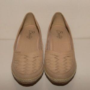 Beacon 9N khaki canvas espadrille wedge shoe